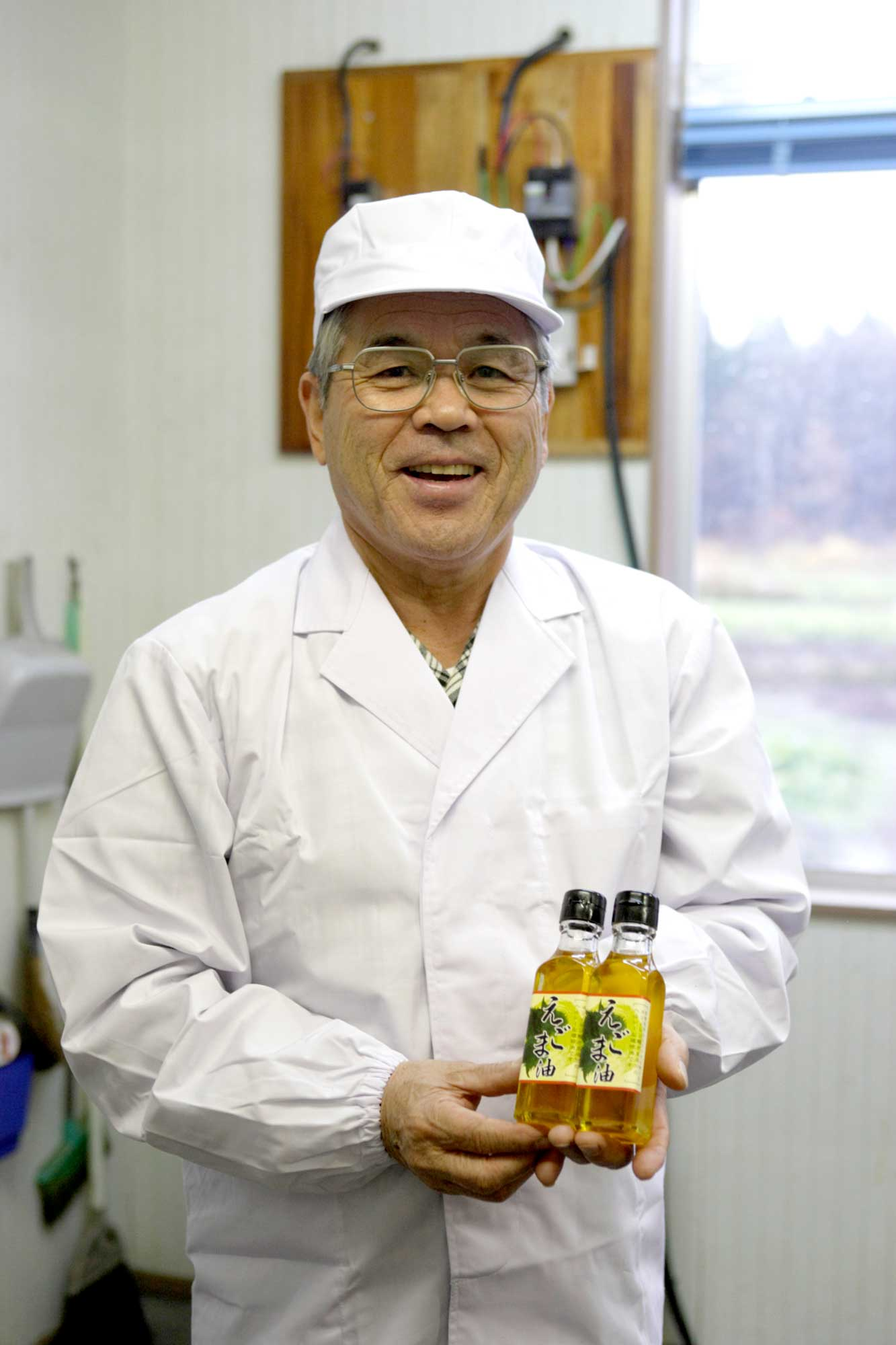 山形県アンテナショップおいしい山形 つくり手を訪ねて|戸沢村エゴマの会 事務局 田中誠一さん