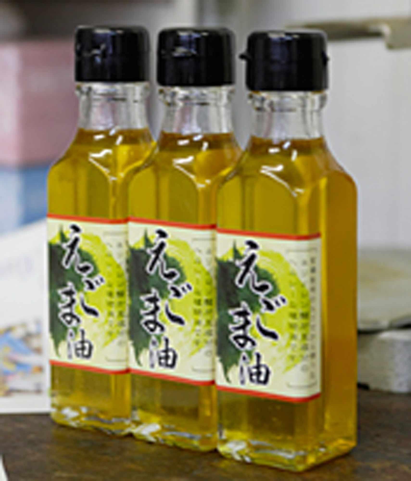山形県アンテナショップおいしい山形 つくり手を訪ねて|戸沢村エゴマの会:香ばしいゴマならではの香りが楽しめる無添加エゴマ油。